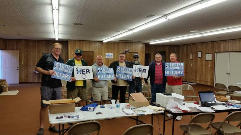 craig-schadewald_letter-carriers-for-hillary